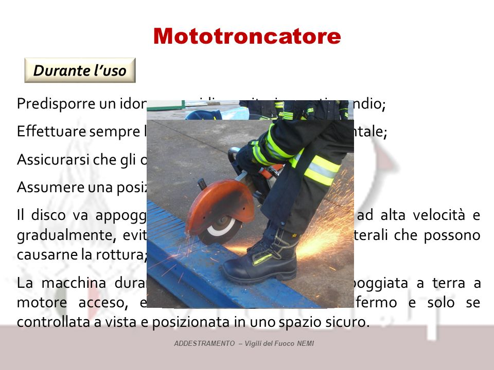 Mototroncatore Durante l'uso