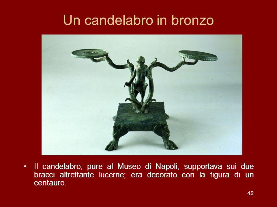 Un candelabro in bronzo