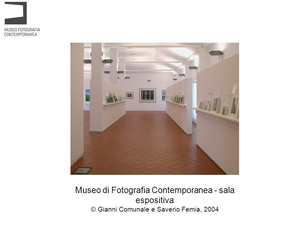 Museo di Fotografia Contemporanea - sala espositiva © Gianni Comunale e Saverio Femia, 2004