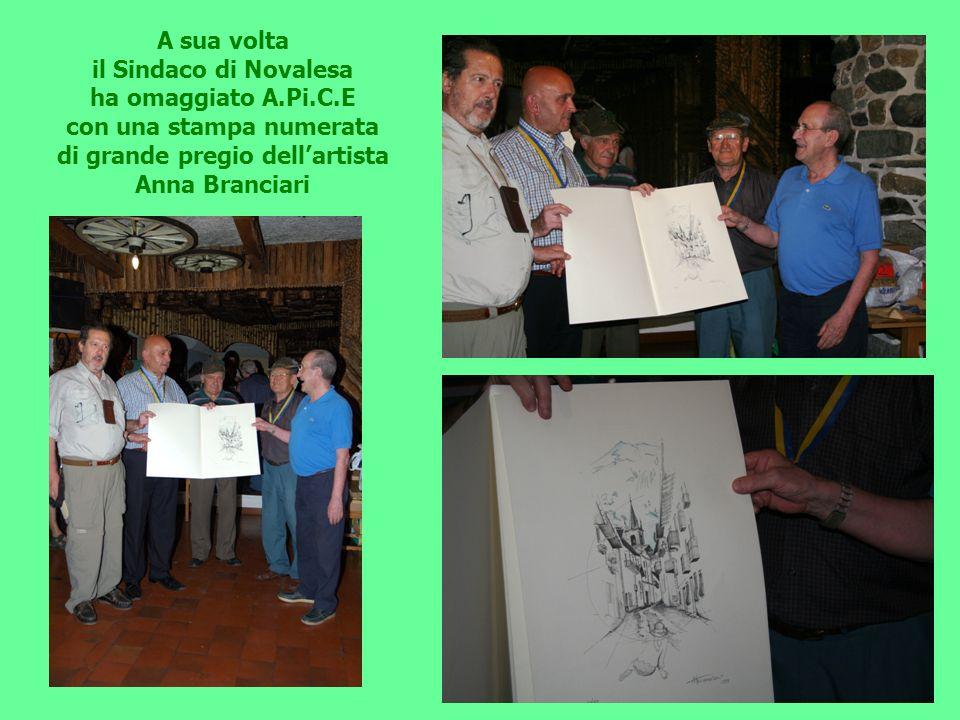 con una stampa numerata di grande pregio dell'artista Anna Branciari