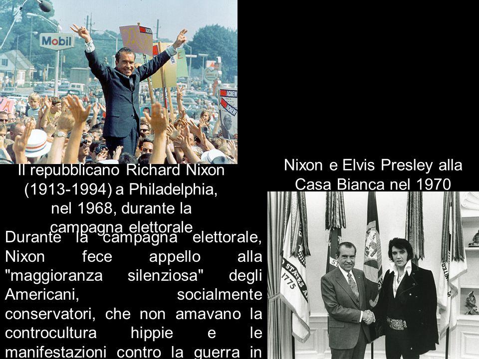 Nixon e Elvis Presley alla Casa Bianca nel 1970