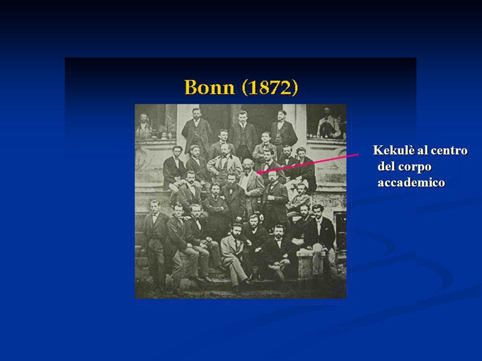 Kekulè al centro del corpo accademico
