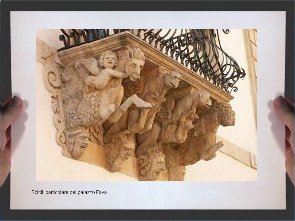 Scicli: particolare del palazzo Fava