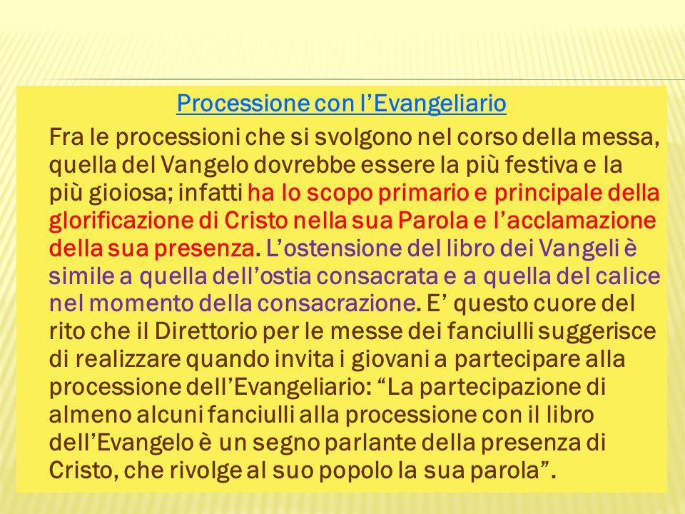 Processione con l'Evangeliario