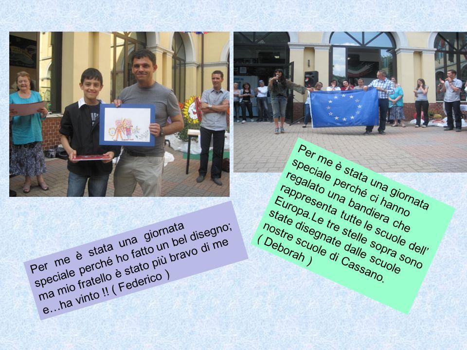Per me è stata una giornata speciale perché ci hanno regalato una bandiera che rappresenta tutte le scuole dell' Europa.Le tre stelle sopra sono state disegnate dalle scuole nostre scuole di Cassano.