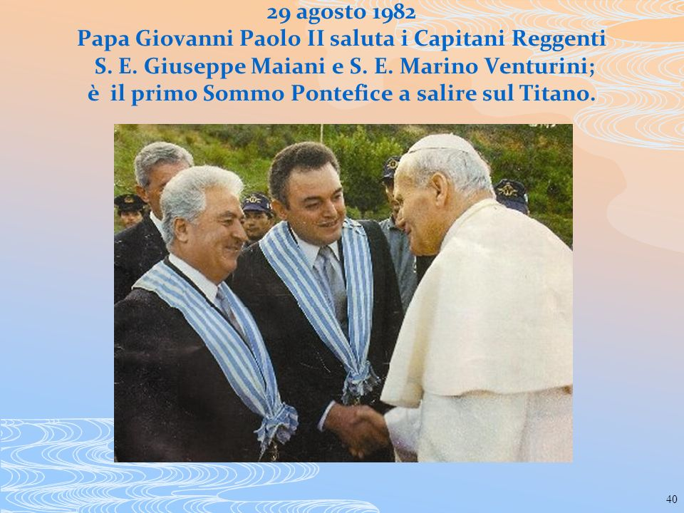 29 agosto 1982 Papa Giovanni Paolo II saluta i Capitani Reggenti S. E