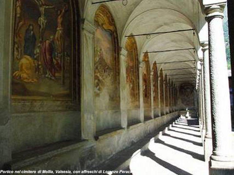 Portico nel cimitero di Mollia, Valsesia, con affreschi di Lorenzo Peracino