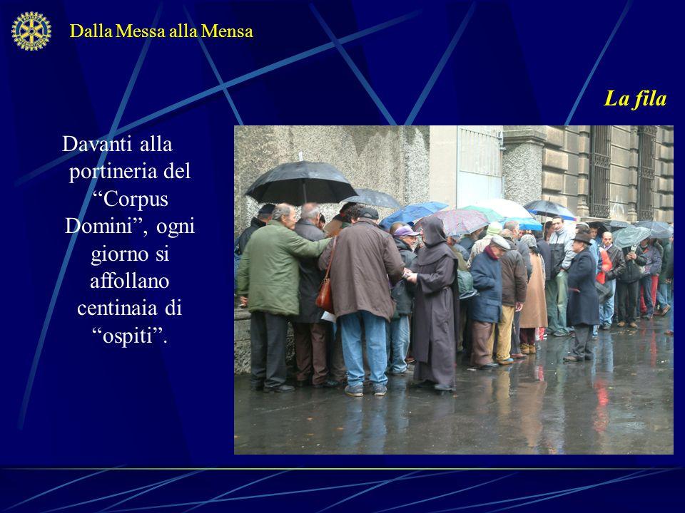 Dalla Messa alla Mensa La fila.