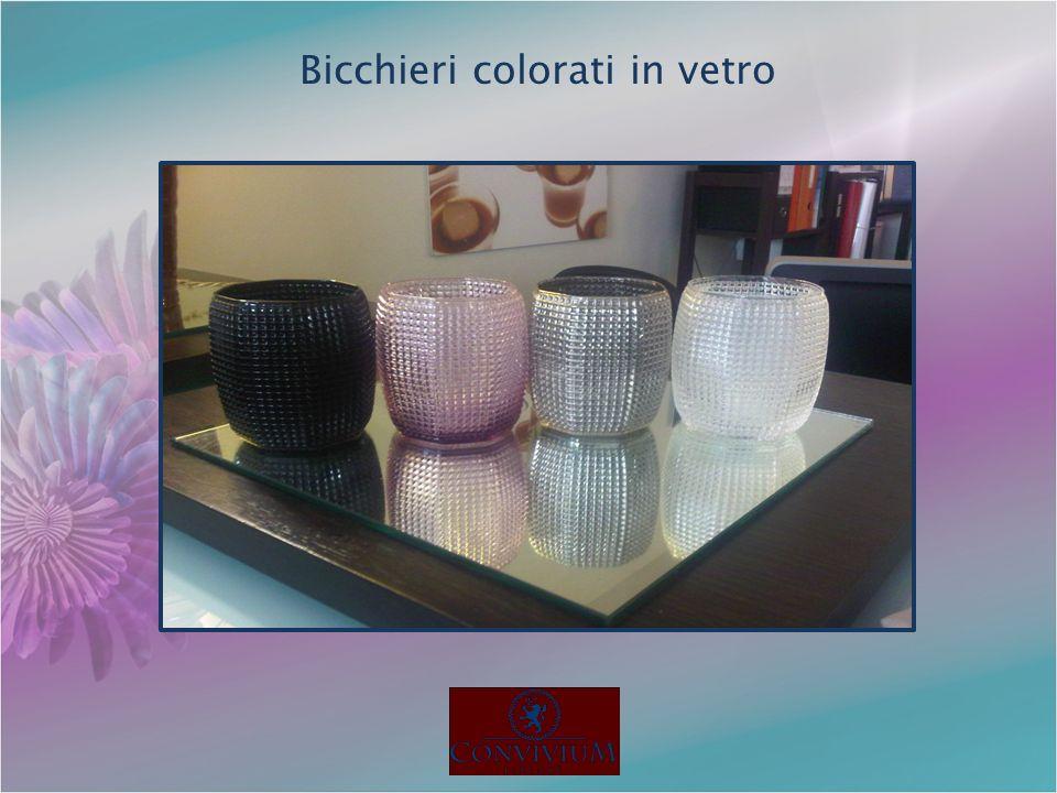 Bicchieri colorati in vetro
