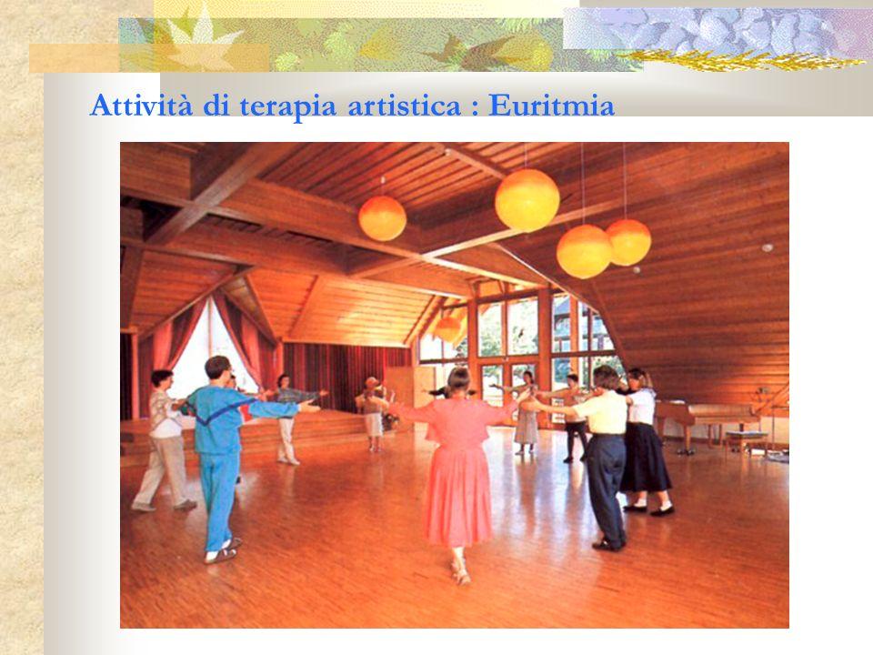 Attività di terapia artistica : Euritmia
