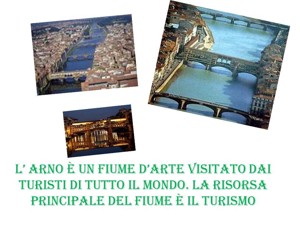 L' Arno è un fiume d'arte visitato dai turisti di tutto il mondo