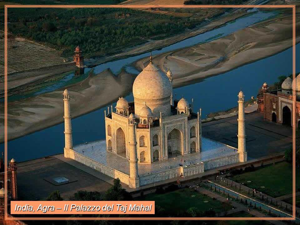 India, Agra – Il Palazzo del Taj Mahal