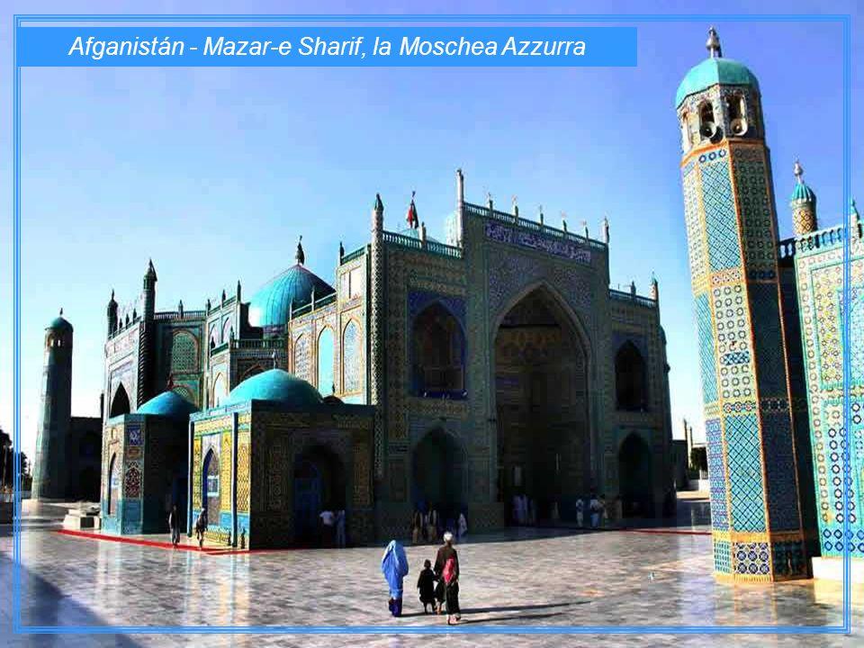 Afganistán - Mazar-e Sharif, la Moschea Azzurra