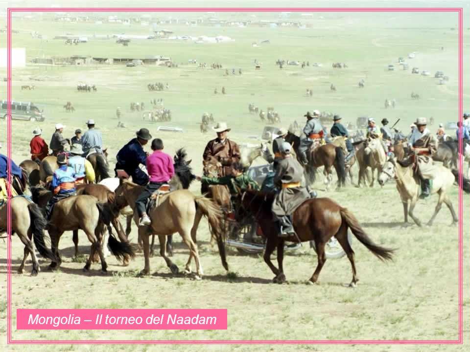 Mongolia – Il torneo del Naadam