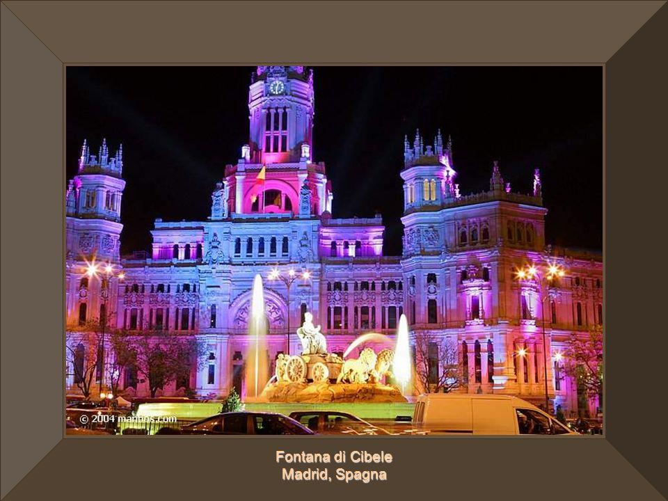 Fontana di Cibele Madrid, Spagna
