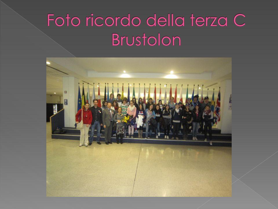 Foto ricordo della terza C Brustolon