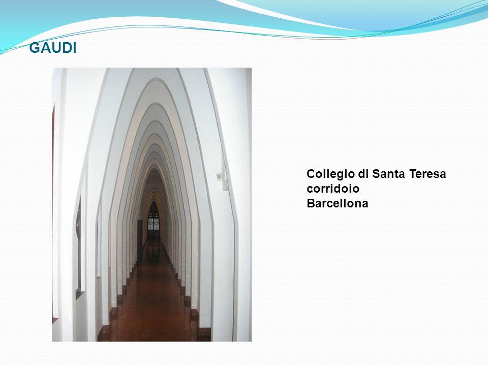 GAUDI Collegio di Santa Teresa corridoio Barcellona