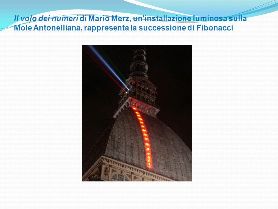 Il volo dei numeri di Mario Merz, un installazione luminosa sulla Mole Antonelliana, rappresenta la successione di Fibonacci