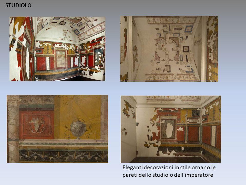 STUDIOLO Eleganti decorazioni in stile ornano le pareti dello studiolo dell imperatore