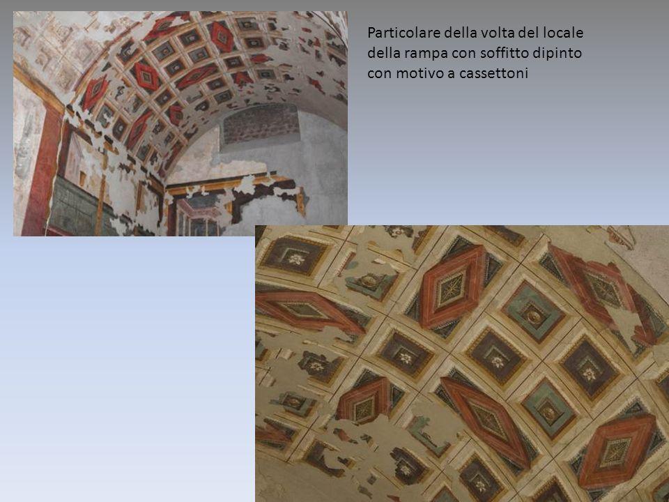 Particolare della volta del locale della rampa con soffitto dipinto con motivo a cassettoni