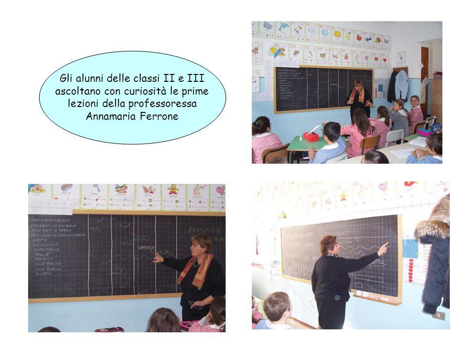 Gli alunni delle classi II e III ascoltano con curiosità le prime lezioni della professoressa Annamaria Ferrone