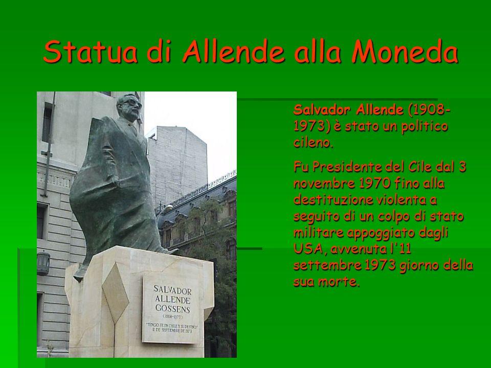 Statua di Allende alla Moneda