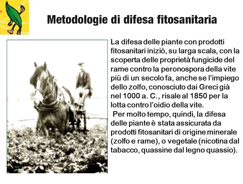 La difesa delle piante con prodotti fitosanitari iniziò, su larga scala, con la scoperta delle proprietà fungicide del rame contro la peronospora della vite più di un secolo fa, anche se l'impiego dello zolfo, conosciuto dai Greci già nel 1000 a. C., risale al 1850 per la lotta contro l'oidio della vite.