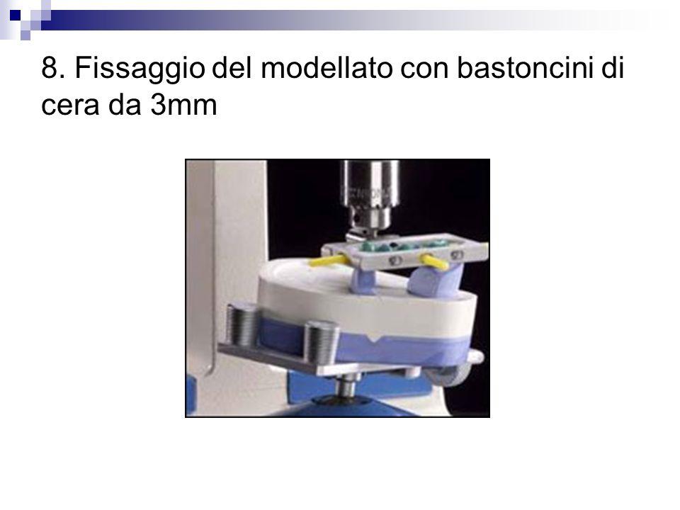 8. Fissaggio del modellato con bastoncini di cera da 3mm