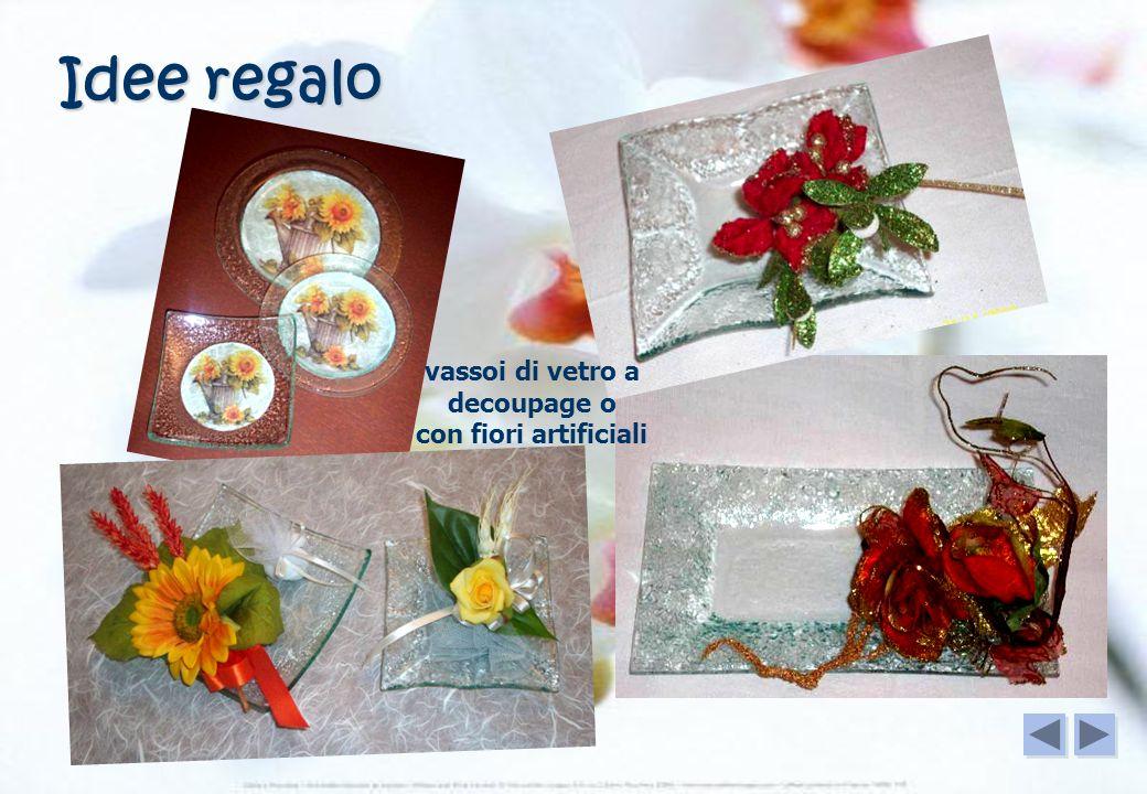 vassoi di vetro a decoupage o con fiori artificiali