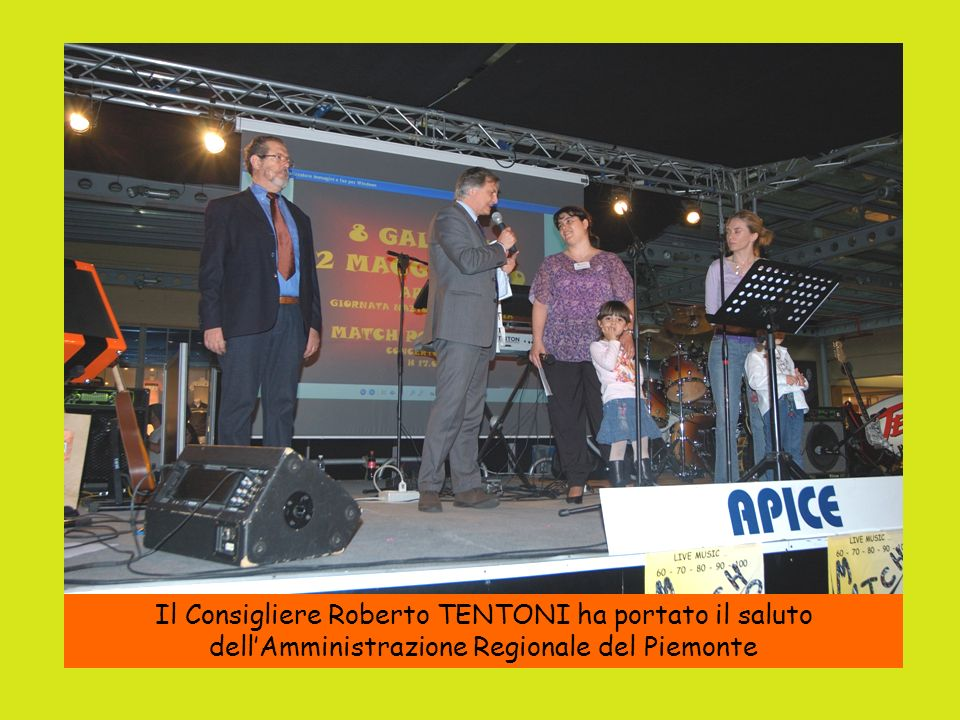 Il Consigliere Roberto TENTONI ha portato il saluto dell'Amministrazione Regionale del Piemonte