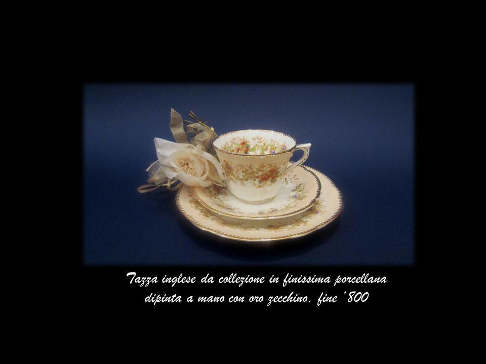 Tazza inglese da collezione in finissima porcellana dipinta a mano con oro zecchino, fine '800