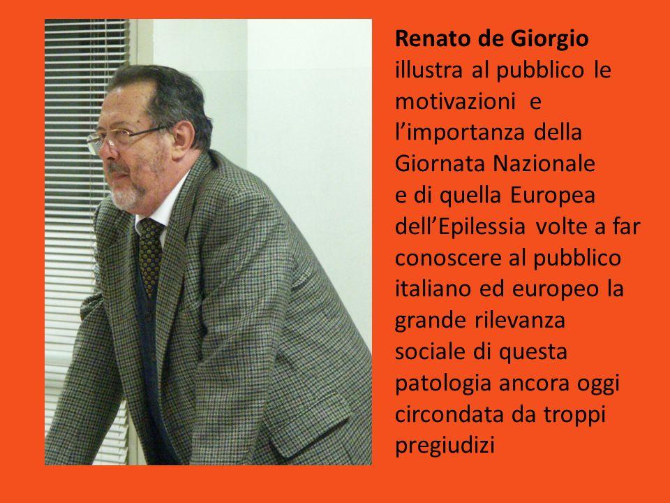 Renato de Giorgio illustra al pubblico le motivazioni e l'importanza della Giornata Nazionale