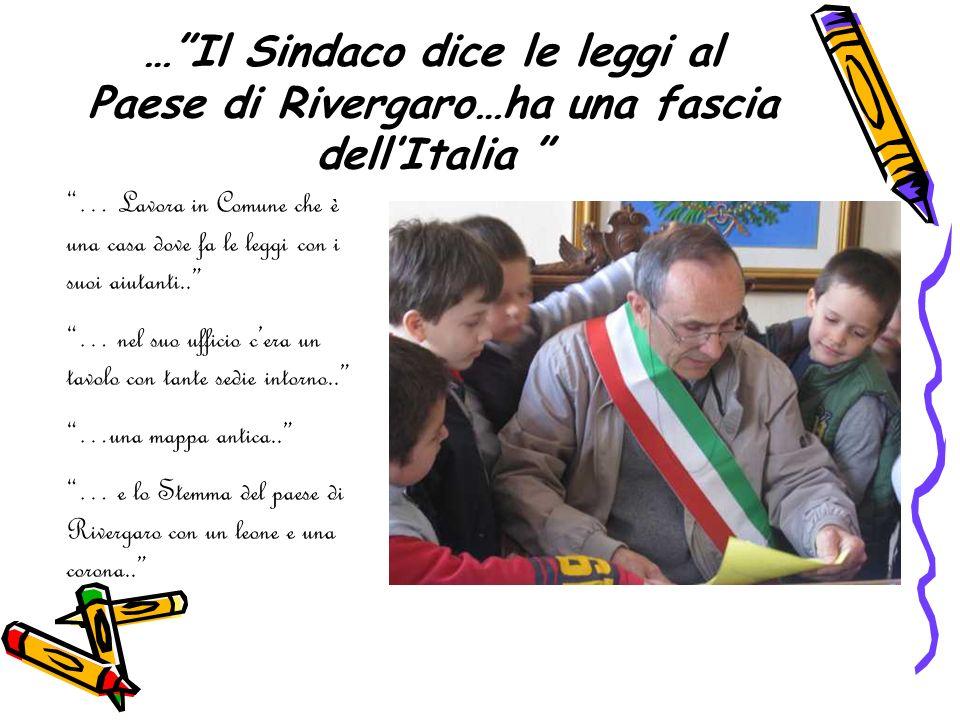 … Il Sindaco dice le leggi al Paese di Rivergaro…ha una fascia dell'Italia