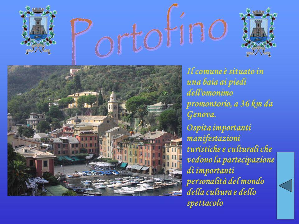 Portofino Il comune è situato in una baia ai piedi dell omonimo promontorio, a 36 km da Genova.