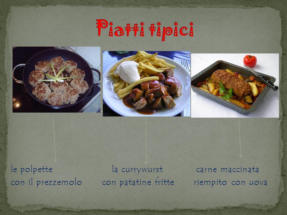 Piatti tipici le polpette la currywurst carne maccinata