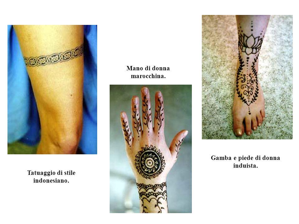 Mano di donna marocchina.