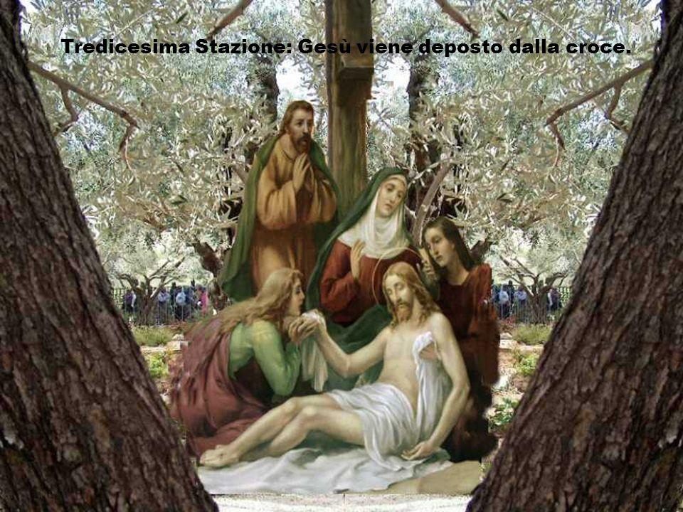 Tredicesima Stazione: Gesù viene deposto dalla croce.