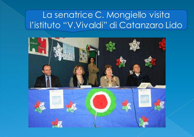 La senatrice C. Mongiello visita l'istituto V