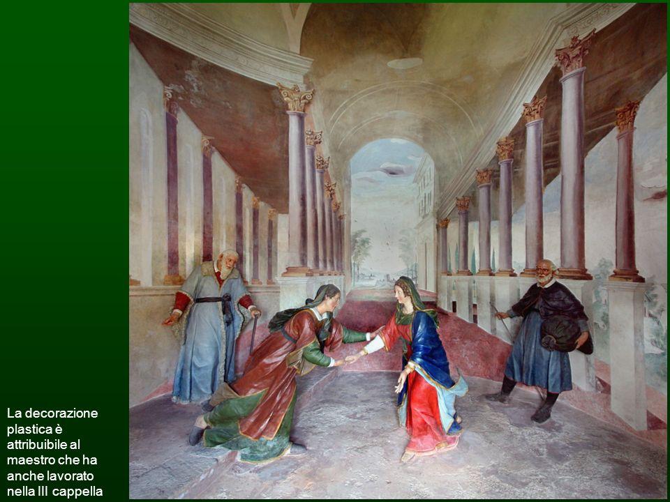 La decorazione plastica è attribuibile al maestro che ha anche lavorato nella III cappella.