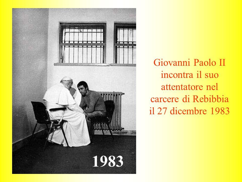 Giovanni Paolo II incontra il suo attentatore nel carcere di Rebibbia il 27 dicembre 1983