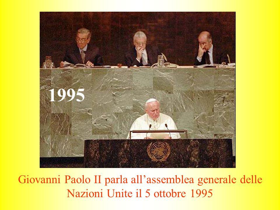 1995 Giovanni Paolo II parla all'assemblea generale delle Nazioni Unite il 5 ottobre 1995