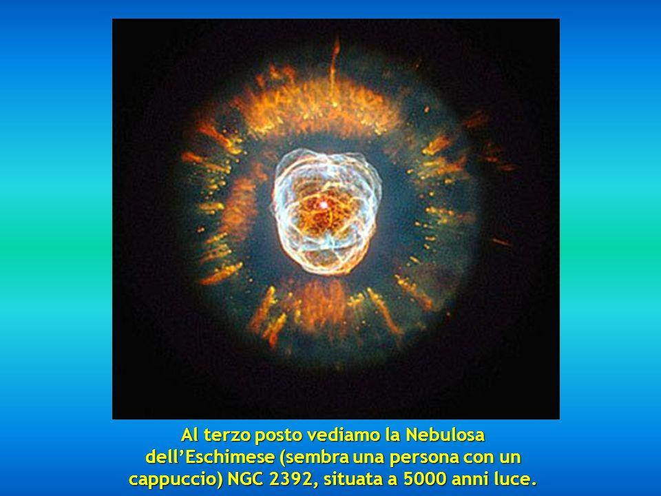 Al terzo posto vediamo la Nebulosa dell'Eschimese (sembra una persona con un cappuccio) NGC 2392, situata a 5000 anni luce.