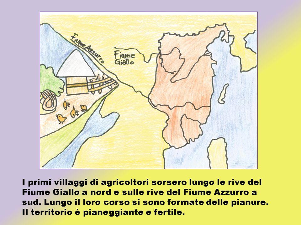 I primi villaggi di agricoltori sorsero lungo le rive del Fiume Giallo a nord e sulle rive del Fiume Azzurro a sud. Lungo il loro corso si sono formate delle pianure.