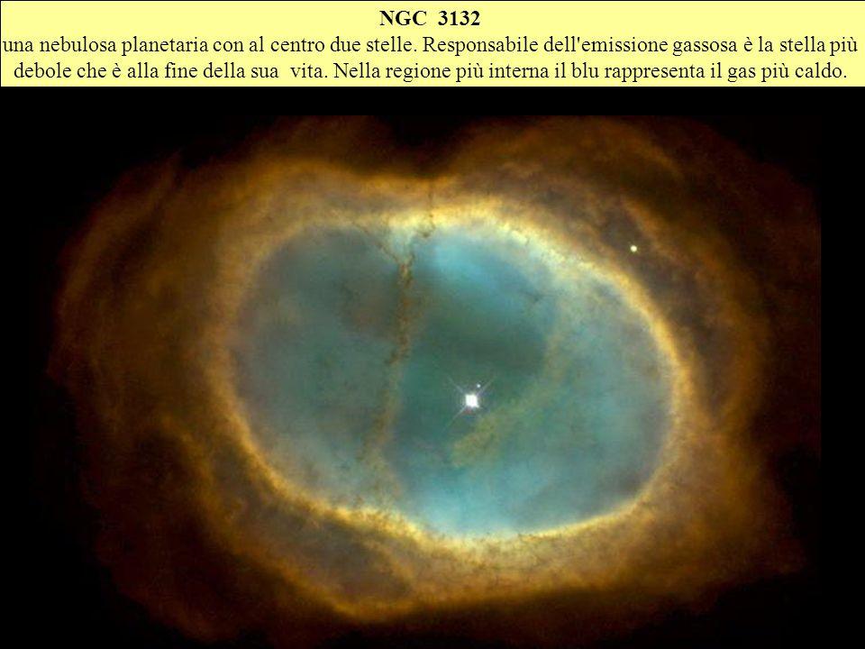 NGC 3132una nebulosa planetaria con al centro due stelle. Responsabile dell emissione gassosa è la stella più.