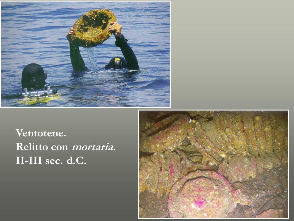 Ventotene. Relitto con mortaria. II-III sec. d.C.