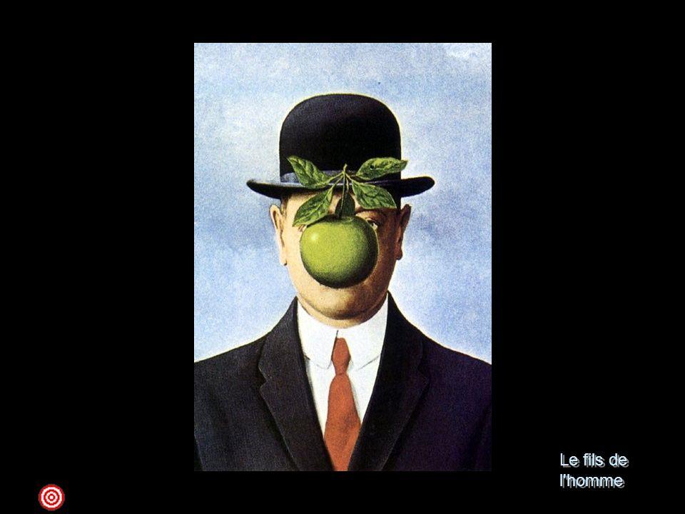 Le fils de l homme 1964 olio su tela; 116 x 89 New York, Harry Torczyner CollectionQuasi un'icona dell'iconografia magrittiana, l'uomo con la bombetta e il vestito scuro, in questa versione, così come in quella simile intitolata La grande guerra, ha il volto nascosto da una mela verde, che funge da maschera in un tentativo di cancellazione e di annientamento della reale identità del personaggio. Questi, comunque, come appare dal suo immobilismo e dalla sua rigida frontalità, risulta già privo di un aspetto vivo e di una personalità umana. L'uomo è dunque invisibile, poiché ci è dato di conoscere soltanto l'apparenza del suo corpo, così come conosciamo solo l'apparenza del mondo. Il visibile è tutto ciò che ci circonda quotidianamente, come una mela, un mazzolino di viole, o una pipa, che nascondono il volto reale che non riusciremo mai a vedere. Per Magritte la figura umana, impassibile e silenziosa, è un oggetto del quotidiano come gli altri, non un ritratto con pensieri e sentimenti. Egli vuole svelare il baratro che separa l'essere dalla sua apparenza e confermare che la realtà resta enigmatica.