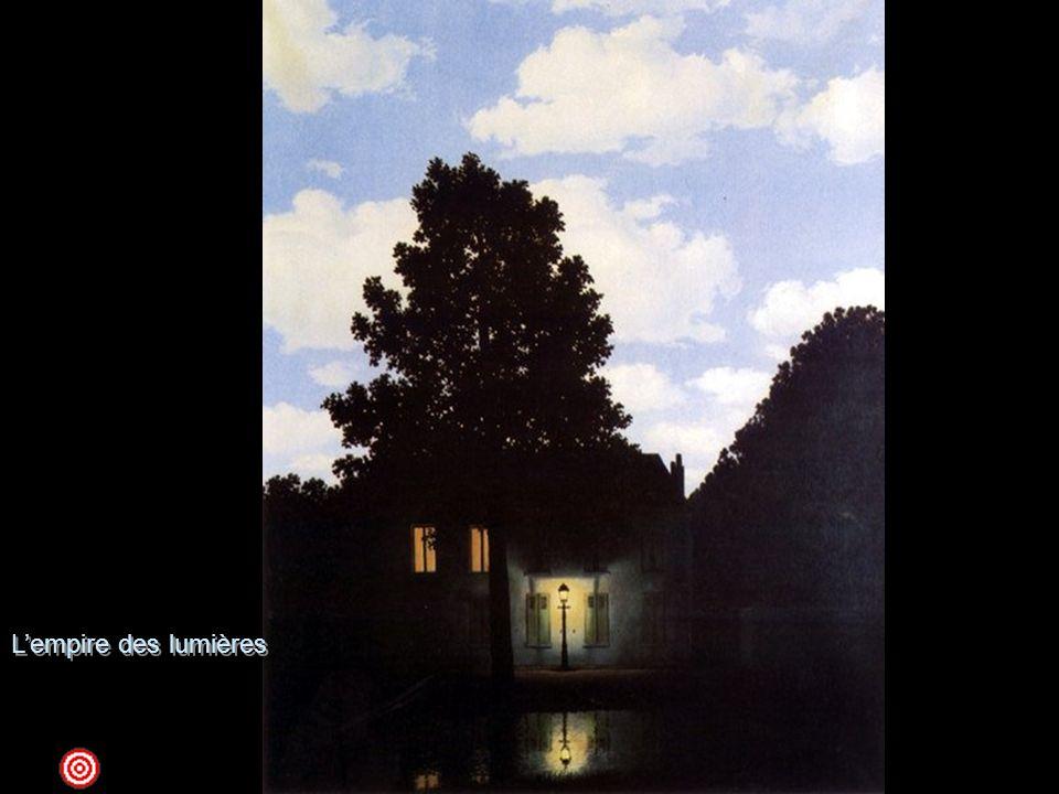 L'empire des lumières 1954 olio su tela; 195,4 x 131,2 Venezia, Peggy Guggenheim CollectionIl tema di questo dipinto, un paesaggio notturno sotto un cielo chiaro in pieno giorno, è stato riprodotto dall'artista in numerose versioni, oltre a questa veneziana, eseguite tra il 1949 e il 1954 (conservate al MoMA di New York, ai Musèes Royaux des Beaux-Arts de Belgique a Bruxelles, in una collezione privata a Milano e in una collezione negli Stati Uniti). Lo stesso Magritte interpreta così il dipinto, il cui titolo si deve al poeta Paul Nougé: … il paesaggio fa pensare alla notte e il cielo al giorno. Trovo che questa contemporaneità di giorno e di notte abbia la forza di sorprendere e di incantare. Chiamo questa forza poesia. . Magritte, dunque, alla ricerca della poesia che scaturisce da un'immagine inattesa, viola una regola fondamentale della realtà, riunendo paradossalmente il giorno e la notte nella stessa scena; e il linguaggio pittorico usato per questo soggetto bizzarro si sviluppa in uno stile preciso, impersonale, tipico della pittura surrealistica veristica, che si ritrova, per lo più, nelle opere magrittiane degli anni Venti.