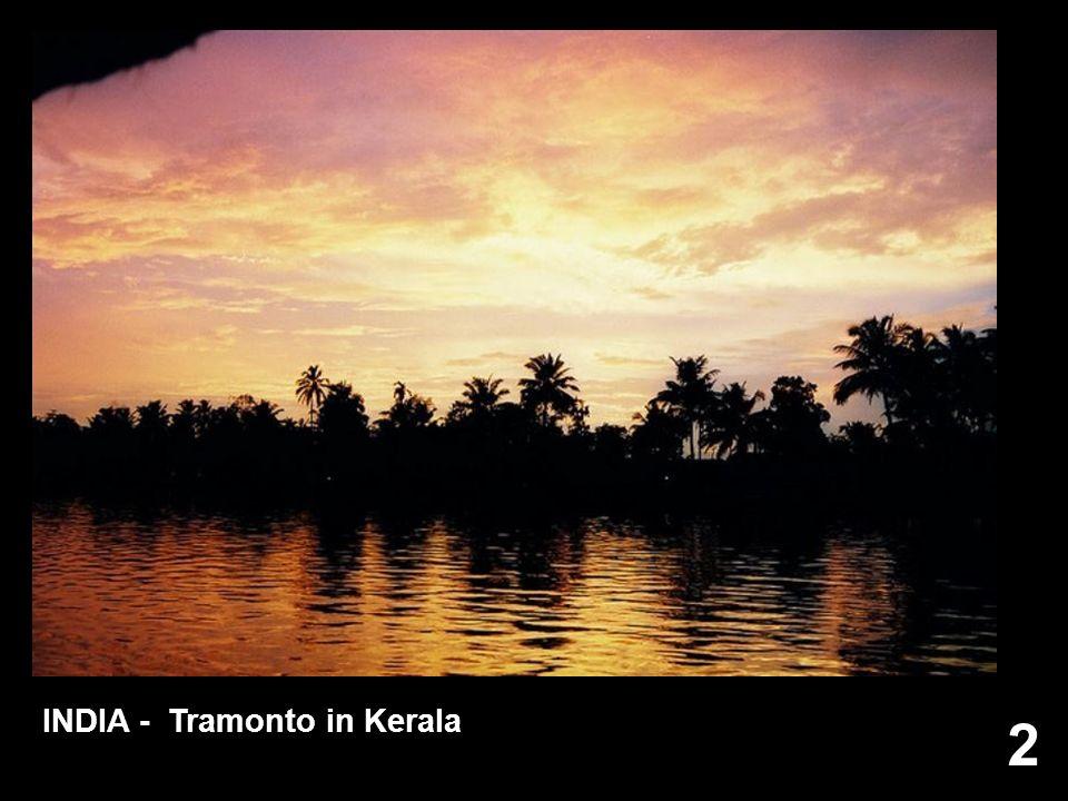 INDIA - Tramonto in Kerala