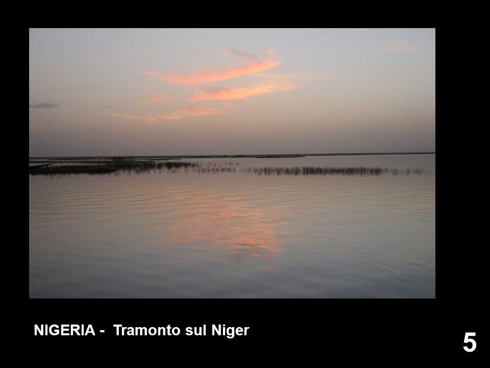 NIGERIA - Tramonto sul Niger