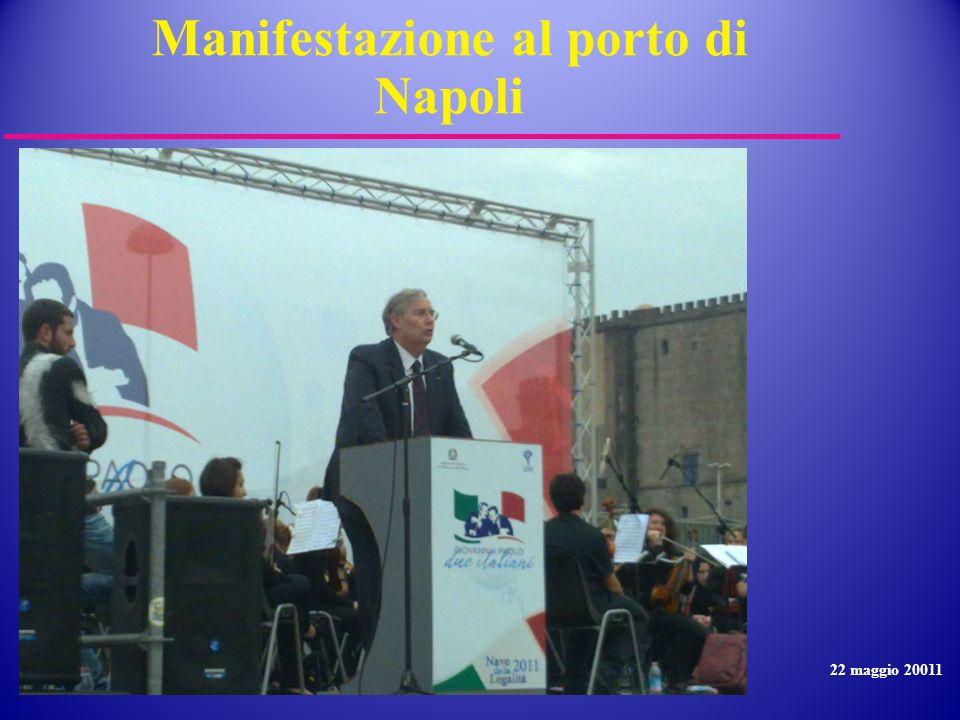 Manifestazione al porto di Napoli